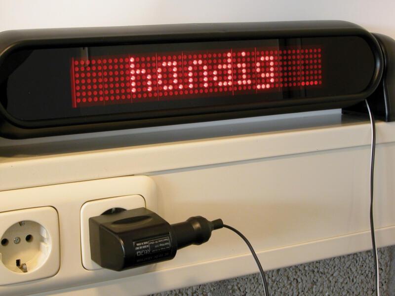 Carpoint omvormer AC-DC 12-220V 500mA